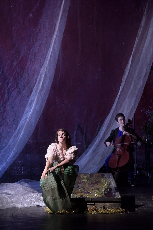 Traviata -Vous méritez un avenir meilleur- © Simon Gosselin